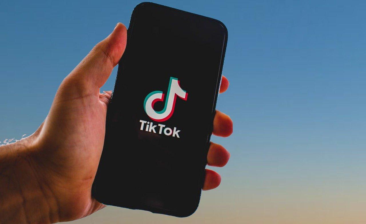 TikTok, bloccato il bando di Trump: l'app si può ancora scaricare in Usa