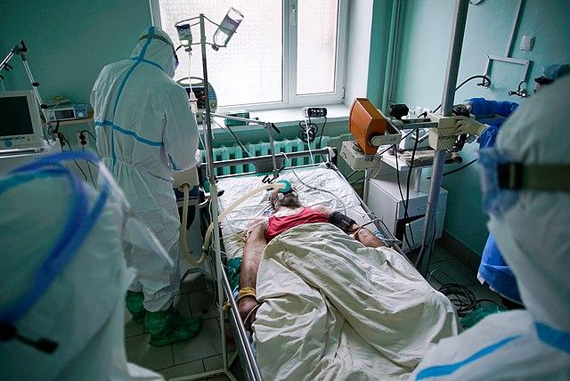 Molnupiravir, il farmaco anti Covid che dimezza ricoveri e decessi