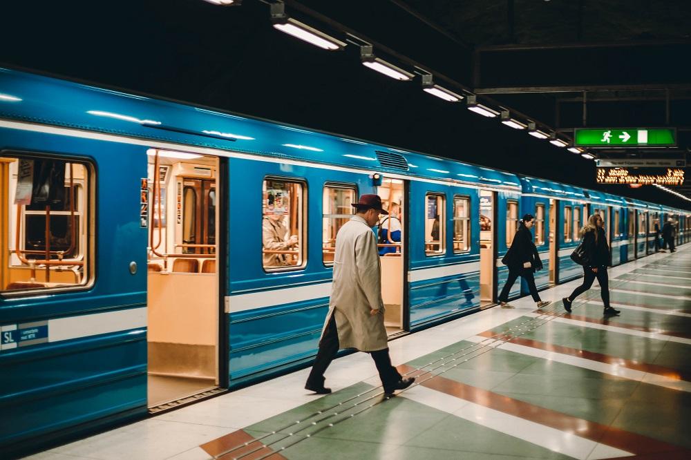 Elezioni, sconto treni, aerei e traghetti: come prenotare